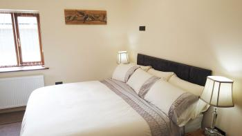 Oak - Room 1-Double room-Luxury-Ensuite with Jet bath-Garden View - Base Rate