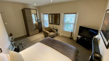 Room 3 - PREMIUM - SNUG - BALCONY (Room Only)