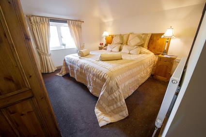 Classic Double/Twin-En suite-Pet-friendly (Room 9)