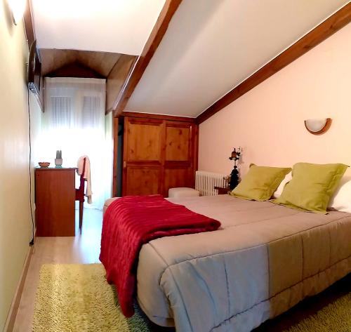 Habitacion Doble-Baño en la habitacion-abuhardillada