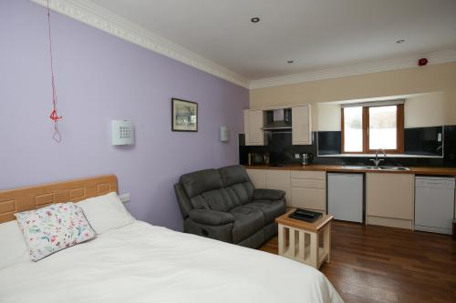 Studio-Apartment-Ensuite with Shower-Countryside view-G1 - Base Rate