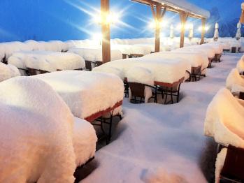 Notre terrasse d'été... en hiver