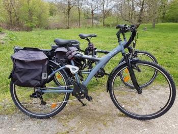Des vélos électriques peuvent être loués