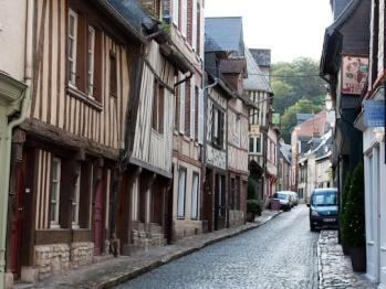 une rue typique d'Honfleur