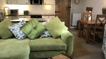 Harewood  Holiday Lets - Open Plan Lounge/Diner