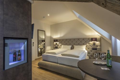 Doppelzimmer-Design-Eigenes Badezimmer-Stadtblick
