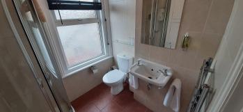 Double Ensuite Shower Room