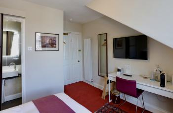 Double room-Superior-Ensuite with Shower-Street View-6 - Base Rate