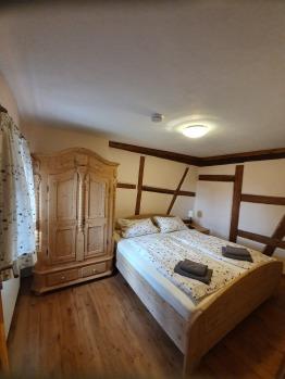 Dreibettzimmer-mit Verbindungstür-Ensuite Dusche-Zimmer Nr. 3&5 - Basistarif