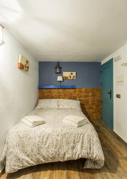 Habitacion Doble-Económico-Baño con ducha-Vista al patio-habitacion rustica