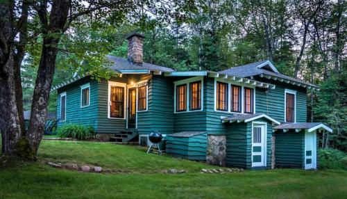 Gardeners Cottage-- Pet Friendly -Woodland view