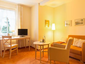 Doppelzimmer-Ensuite Dusche-Gartenblick-25 m2
