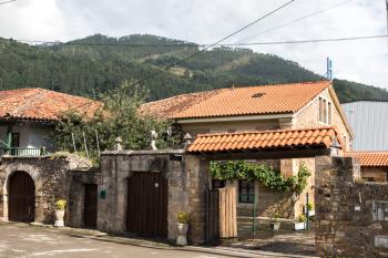 Posada Norte casa rural en Cantabria patio y jardín privado