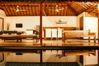 2 bedrooms villa by night