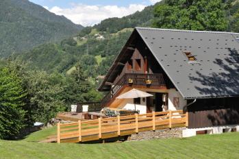 L'été à la Grange aux Loups avec la vue sur le Mont Blanc
