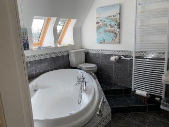 Double Room En-Suite Air Bath / Jacuzzi