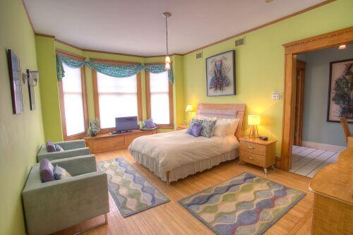 Double room-Superior-Ensuite-Kiwi Suite Room.