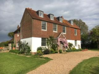 House-Traditional-Ensuite with Bath-Countryside view-Self Catering Farmhouse  - Base Rate