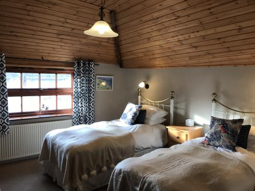 Twin room-Wet room-Countryside view-Disabled Access