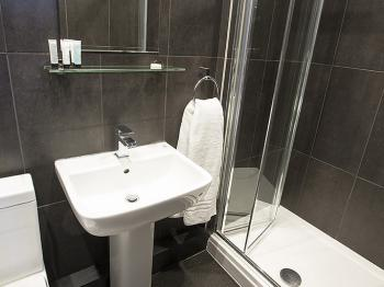 Double room-Business-Ensuite with Shower-Garden View