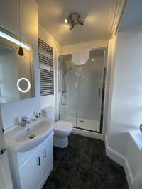 Single room ensuite with sea view