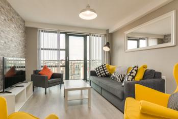 Apartment-Superior-Ensuite-Balcony-65 Victoria Place - Base Rate (NR)