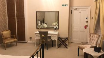 Gold Room 2