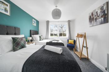 Modern Luxury 2 Bed Apartment 6 Guests En-Suite Netflix Wi-Fi -