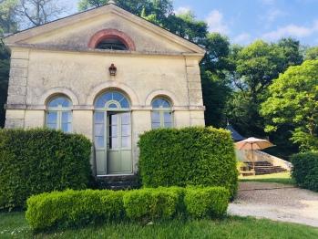 le charme de la maison de la grille du château d'Hodebert