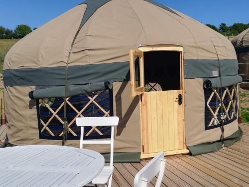 Deluxe-Yurt-Private Bathroom-Countryside view