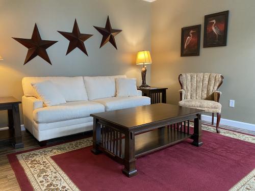 Martha-Quad room-Suite-Mobility bath-Patio