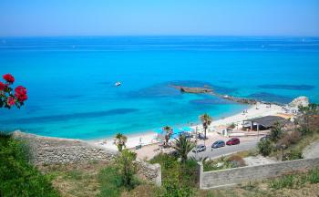 Strand Bucht Blick von oben © Ferienwohnung Casa Belle Vacanze