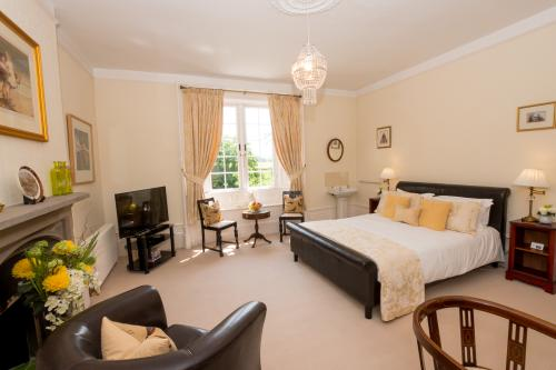 King-Ensuite-Yellow Room - Base Rate