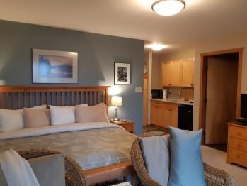 Suite-Ensuite with Bath-Luxury-Ocean View-Sea Mist Suite - Base Rate