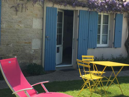 BELLE -ÎLE-Studio-Vue sur Piscine-Salle de bain et douche - Tarif de base
