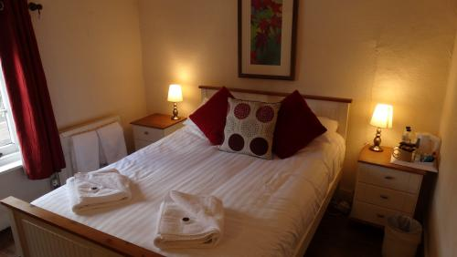 Double room-Basic-Private Bathroom - Base Rate