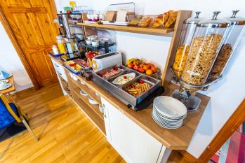 Seawinds Breakfast room buffet display