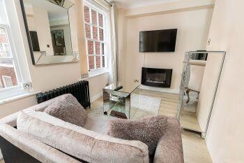 Apartment-Modern-Ensuite - Base Rate