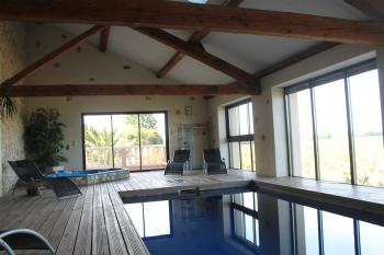 piscine intérieure et spa