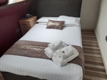 Double room-Comfort-Ensuite-Mountain View - Base Rate