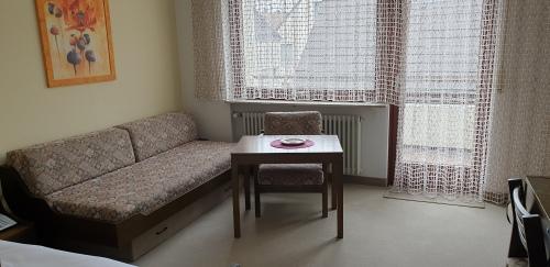 Zweibettzimmer-Eigenes Badezimmer-Blick auf den Hof - Basistarif