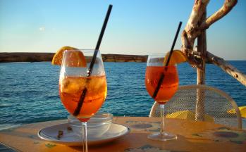 Eisgekühlte Getränke mit Blick aufs Meer © Ferienwohnung Casa Belle Vacanze