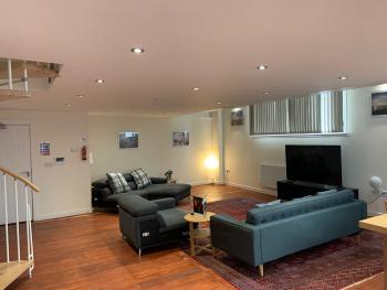 Charter House School Serviced Apartments – Hull Serviced Apartments HSA - Charter house school living room/kitchen