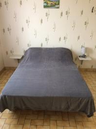 lit dans chambre séparée