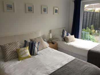 Basingstoke En Suite Room in Garden Annex - Bedroom 1 double and 1 single bed