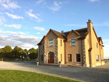 Mourne Country House - Front Of House