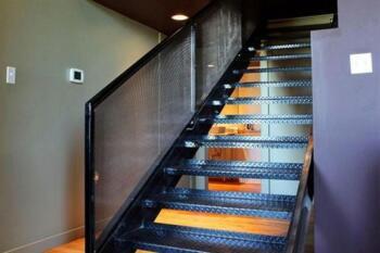 Staircase loft 1