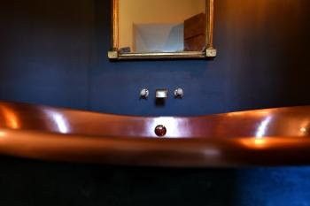 'Carswell' copper bath