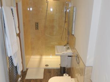 Hollerday Ensuite  shower (Room 7)