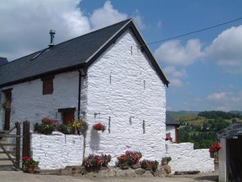 Dee Valley Cottages - enjoy the sun